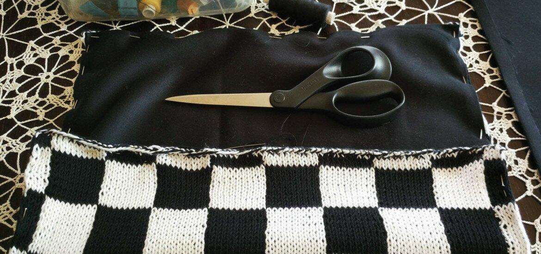 Jak zrobić szachownicę na drutach?
